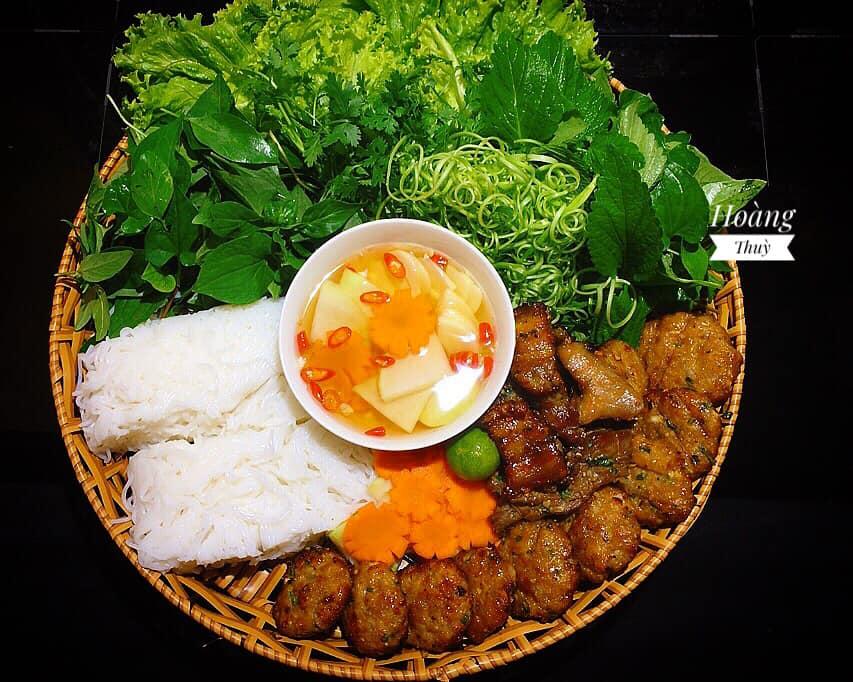 mê bún chả Hà Nội, vợ đảm vào bếp một thoáng đã có bữa ăn thơm ngon chuẩn vị