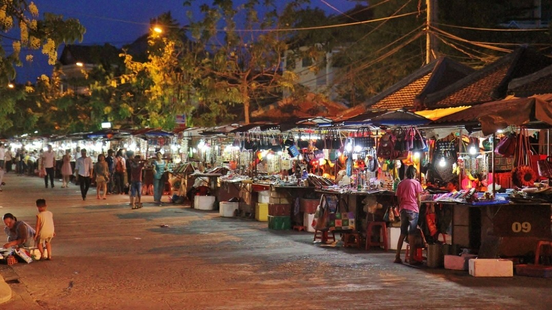 Hoi An NIght Market in Hoi An - Shopping in Hoi An, Vietnam - Justgola