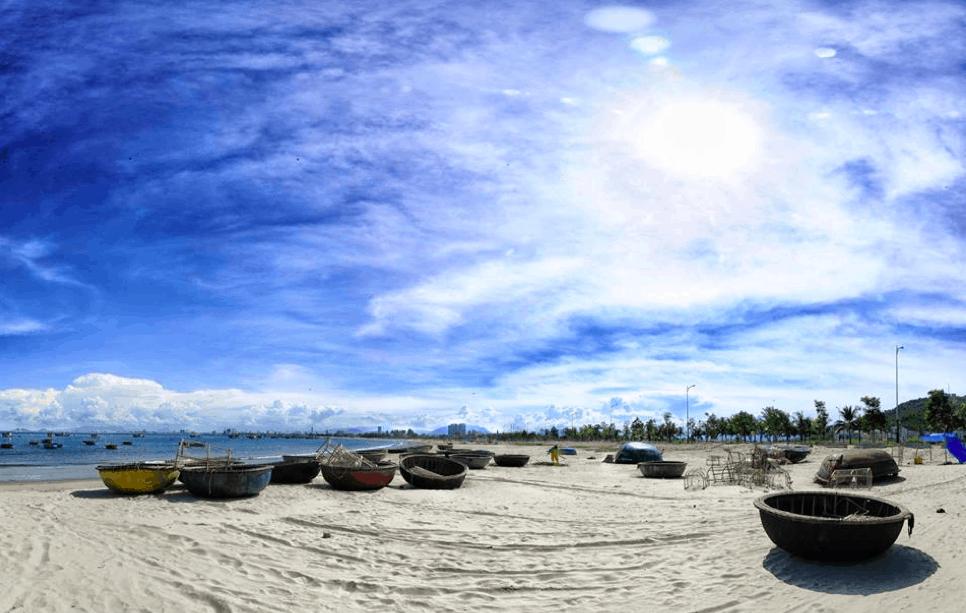 Bãi biển Mỹ Khê vẻ đẹp thơ mộng và hoang sơ Quảng Ngãi