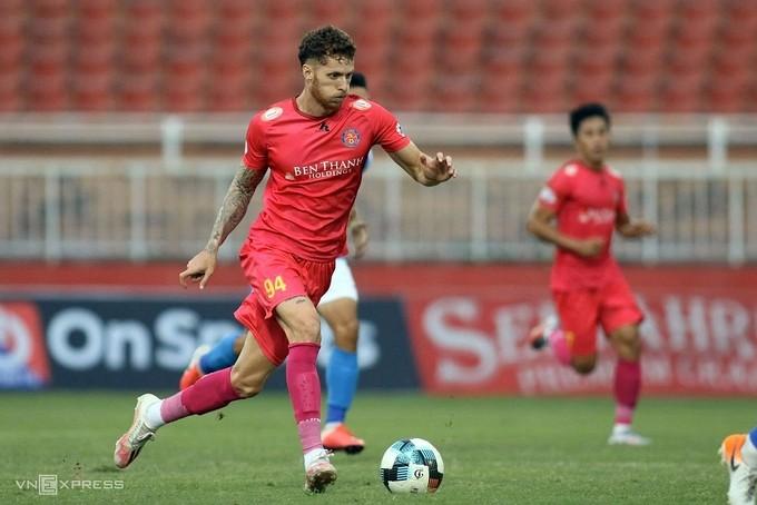V. League 1 first leg ends, top 8 to battle for title - VnExpress International