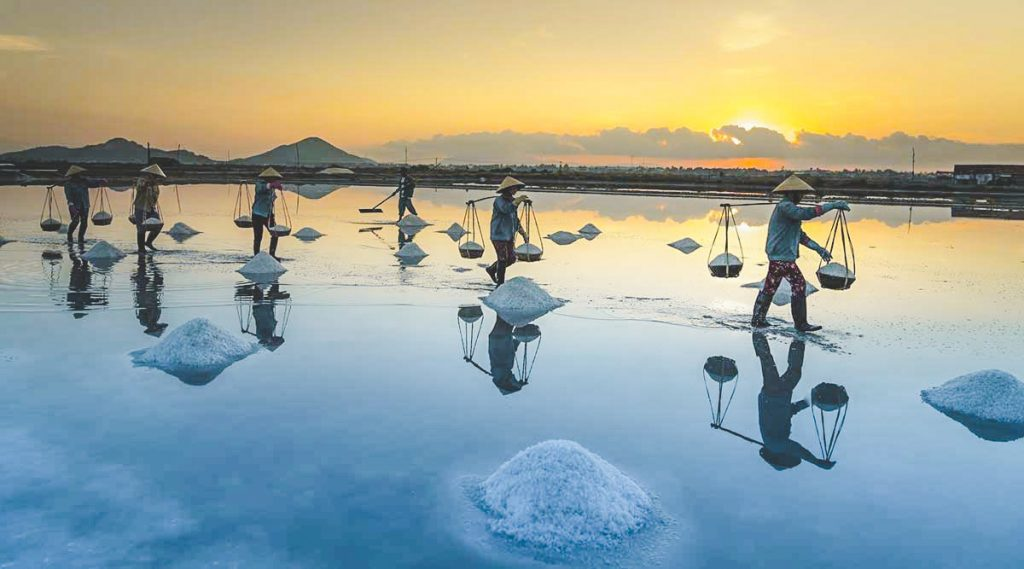 Hon Khoi Salt Fields near Nha Trang - Best time to visit and getting there